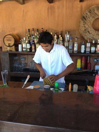 Rancho Pescadero: pineapple margarita prep