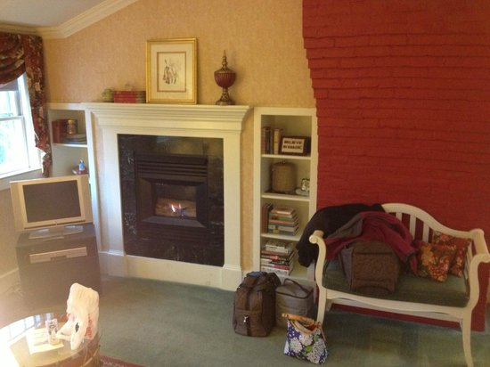 The Inn at Ormsby Hill: left side of room, gas fireplace