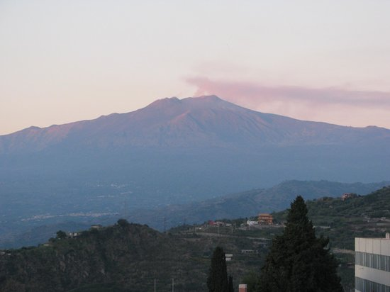 Hotel Continental : Mount Etna From the Hotel