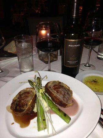 Kres Chophouse: Fillet Wellington with Aquinas Wine