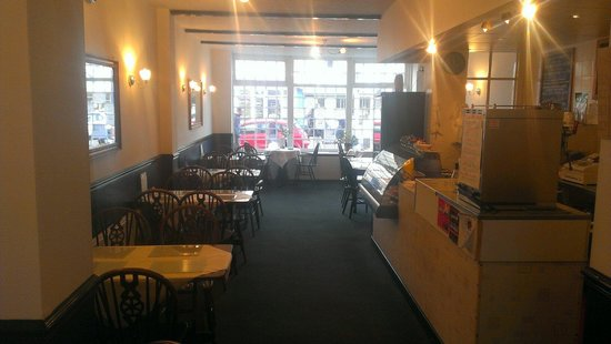 The Willows Coffee House : Inside