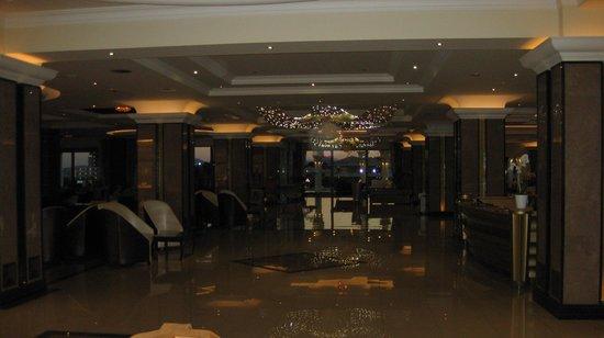 La Marquise Luxury Resort Complex: lobby