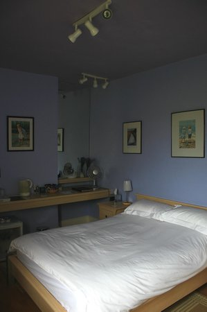 Eton Lodge: The Bluebell Room