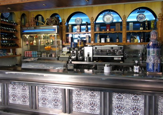 Cafeteria Bar Granada: Interior 2