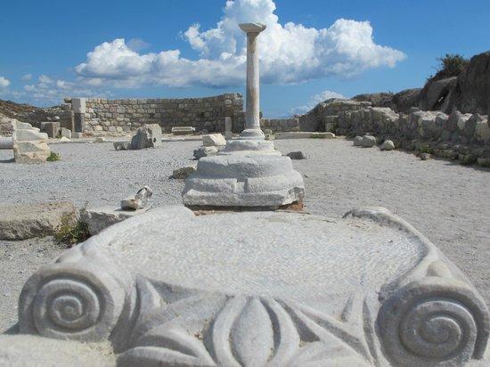 Agios Stefanos Beach, Basilica
