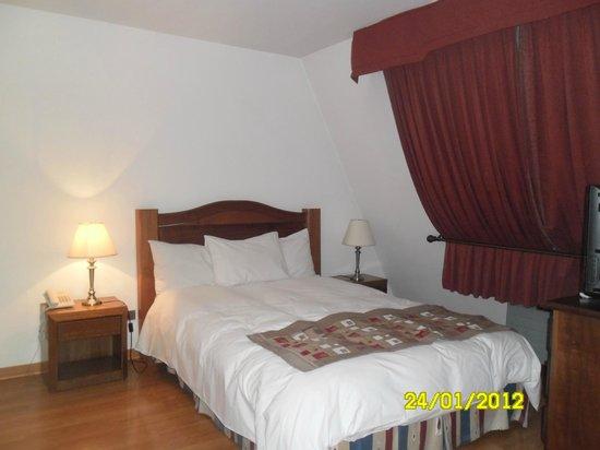 Hotel Nippon: una de las camas de la habitacion 63