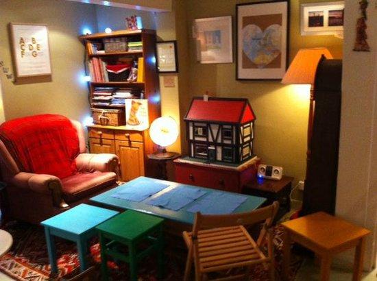 Our Story Cafe: Story Snug