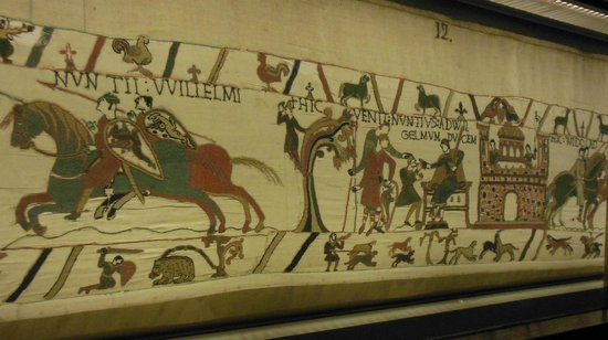 Museo del Tapiz de Bayeux: section of tapestry