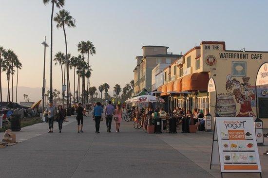 Venice Beach Suites & Hotel: *