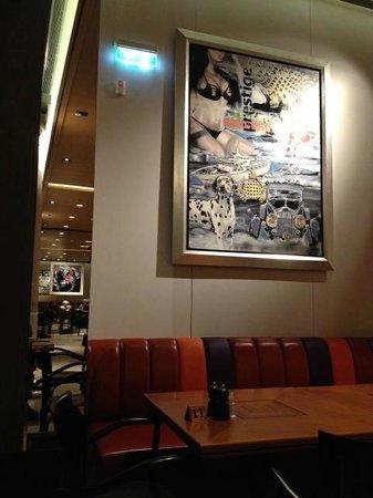 Athinaikon Restaurant: main dining room art