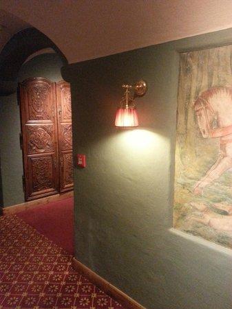 Hotel Miramonti : passaggio Spa
