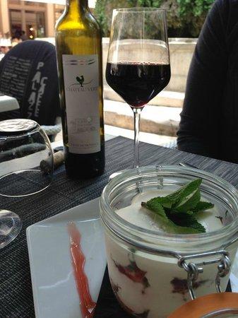 Le Palazzo Cafe : The perfect French wine and tiramisu