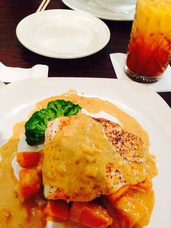 Chef Tommy Thai Cuisine: Coconut Salmon