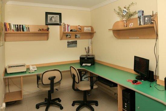 Hostal de la Mancha: Computer Room