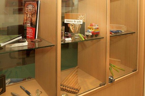 Hostal de la Mancha: Shop