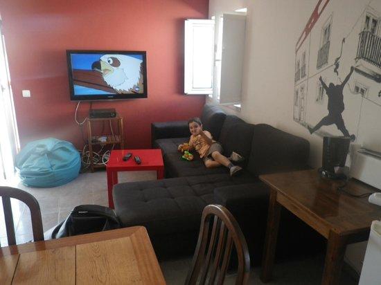 Cloud 9 Hostel: Kitchen area