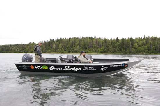 Orca Lodge: guide boat