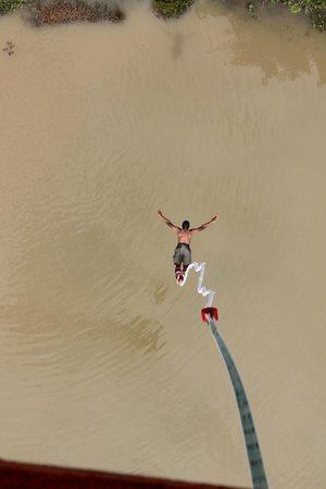 Chiang Mai X-Centre: Bungee jumping, baby!