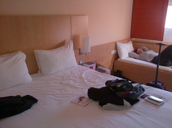 Ibis Malaga Centro Ciudad : room 132