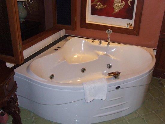 Sirilanna Hotel : bath...