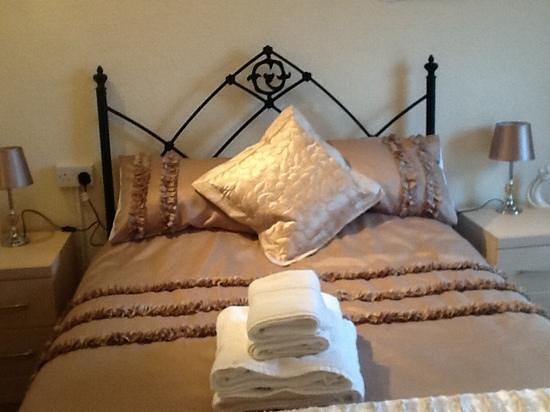 Ashford Guest House : room eight