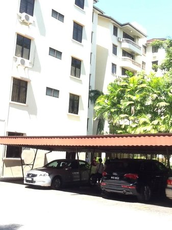 Noble Villa Apartment: Covered carpark, very important in either sunny or rainy Malaysia.