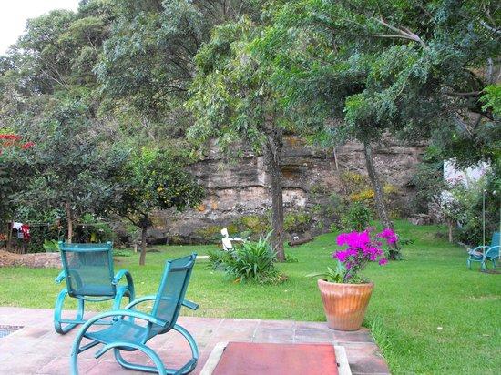 Casa de Huespedes Las Bugambilias: Vista del jardín