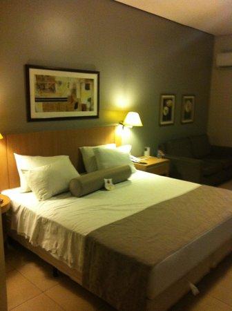 Comfort Suites Flamboyant : Cama ampla