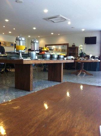 Comfort Suites Flamboyant : Café da manhã