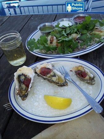 Fish Restaurant: BBQ oysters and Rock Cod Tacos