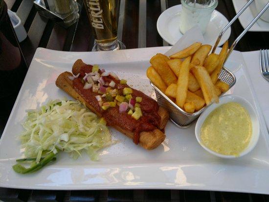 Restaurant HEat: HEat Berlin Currywurst
