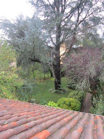 Le Jardin Sarlat : Vista jardín desde rellano primer piso