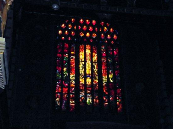 Mosteiro De Sao Bento: Vitrais