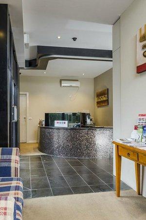 Parkville Place Apartments: Reception