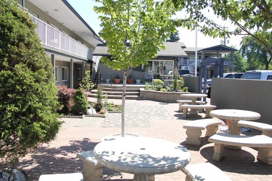 Travelodge Kamloops City Centre: Courtyard
