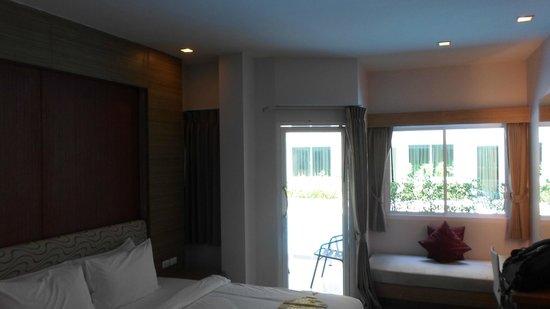 Andatel Grande Patong Phuket Hotel : Room