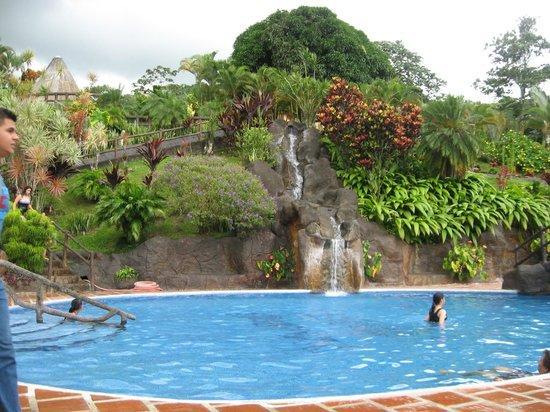 Los Lagos Hotel Spa & Resort : pool area