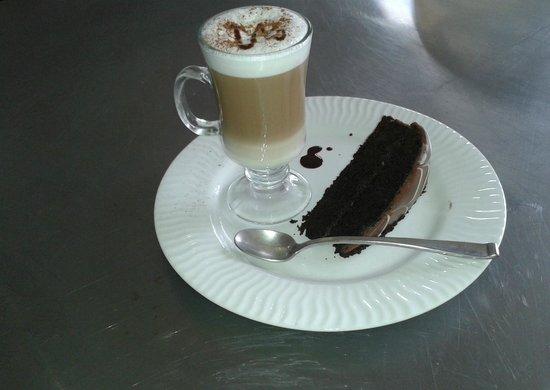 Cafeteria Monka: Capuccino con chocolate