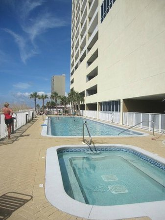 Ocean Reef Condominiums : The outdoor pool - long and skinny - 3ft. to 5 ft.