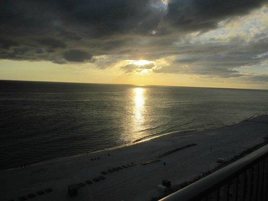 Ocean Reef Condominiums : Sunset on October 15.