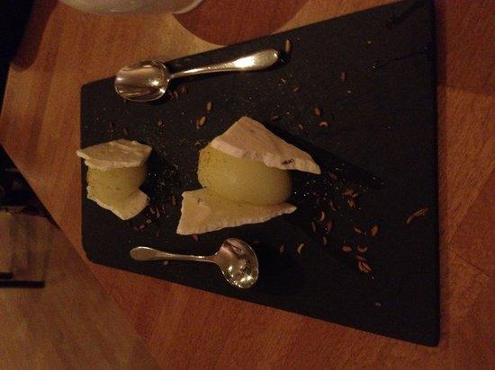 Wild Garlic Restaurant & Rooms: Fennel sorbet and meringue