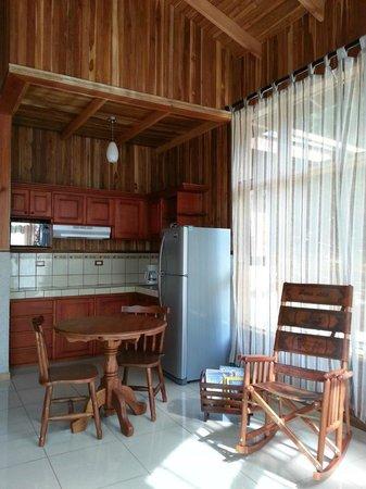 Los Pinos - Cabanas y Jardines: Comedor Cabaña Superior