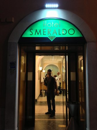 Hotel Smeraldo : Leaving the hotel early in the morning