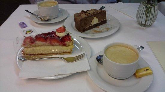 Cafe Hanselmann: cappuccino & torte