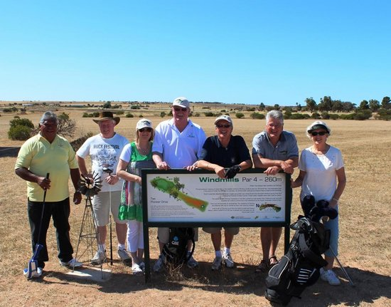 Nullarbor Links: golfers at Penong