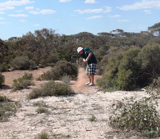 Nullarbor Links: getting out of the rough