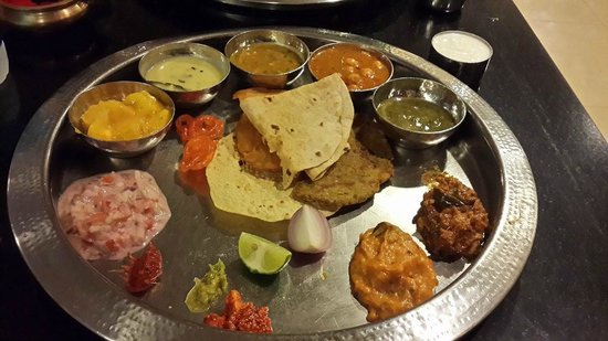 Shabree : The Thali (Minus the rice preparations as they are served later)