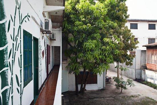 Backpackers Garden: Dorm area