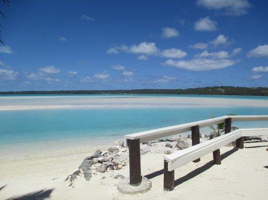 Aitutaki Escape: View of the Logoon