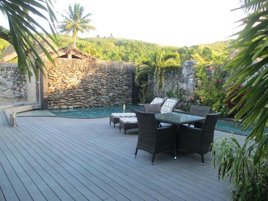 Aitutaki Escape: Prviate pool and relaxation area